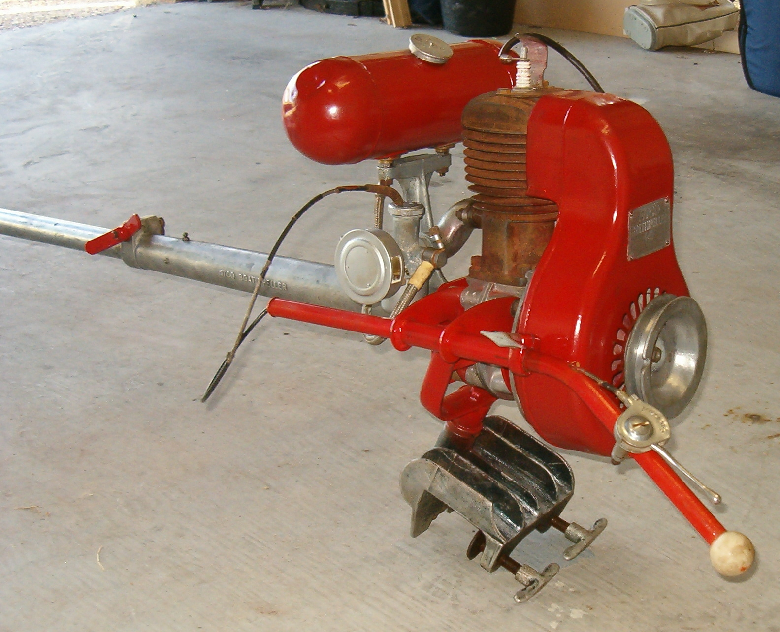 A page devoted to vintage mainly british outboards other for Seagull outboard motor value